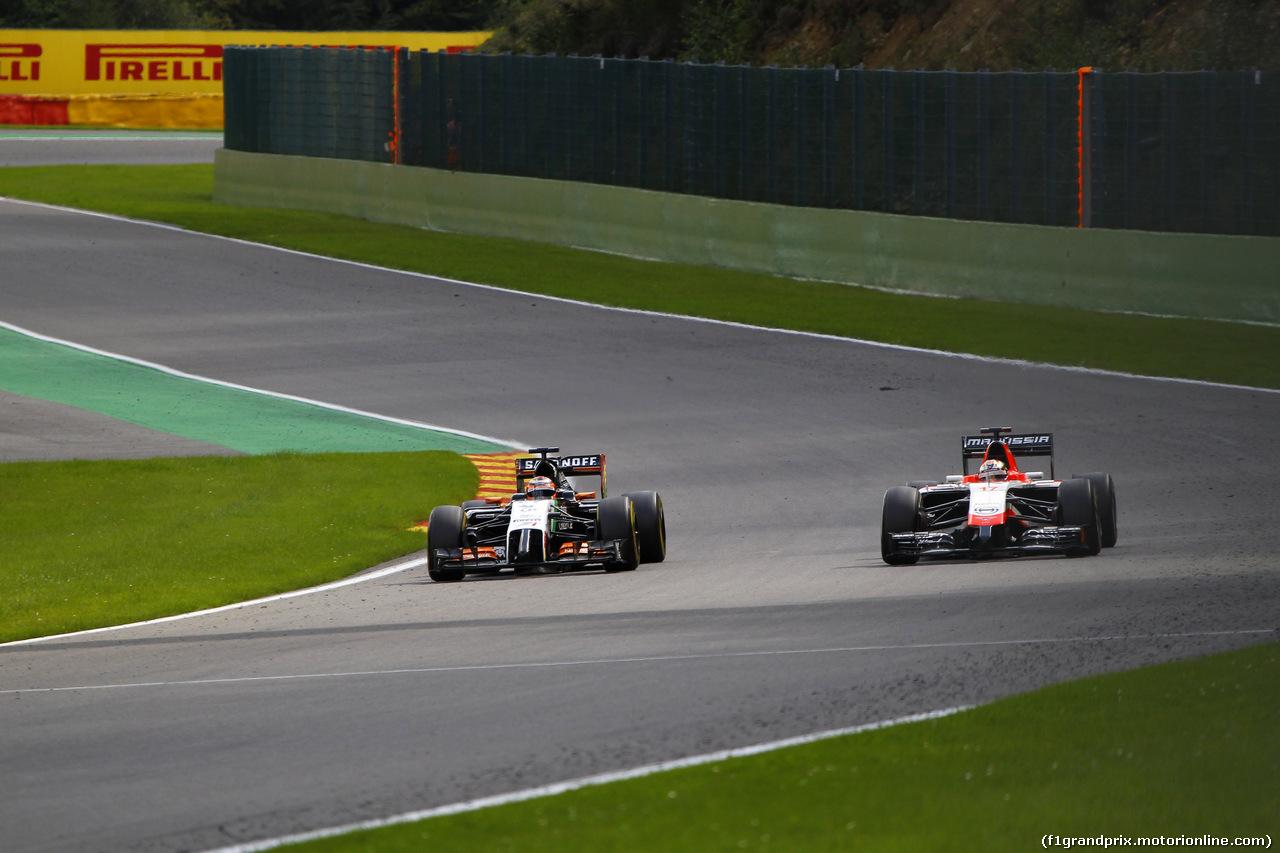 GP BELGIO, 24.08.2014- Gara, Nico Hulkenberg (GER) Sahara Force India F1 VJM07 e Jules Bianchi (FRA) Marussia F1 Team MR03