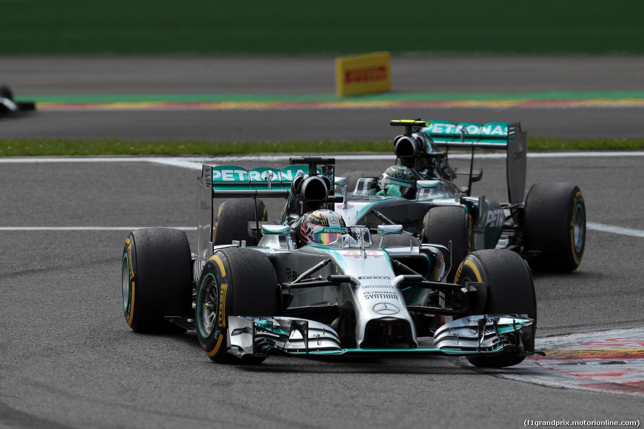 GP BELGIO, 24.08.2014- Gara, Lewis Hamilton (GBR) Mercedes AMG F1 W05 davanti a Nico Rosberg (GER) Mercedes AMG F1 W05