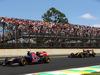 GP BRASILE, 09.11.2014 - Gara, Jean-Eric Vergne (FRA) Scuderia Toro Rosso STR9 e Romain Grosjean (FRA) Lotus F1 Team E22