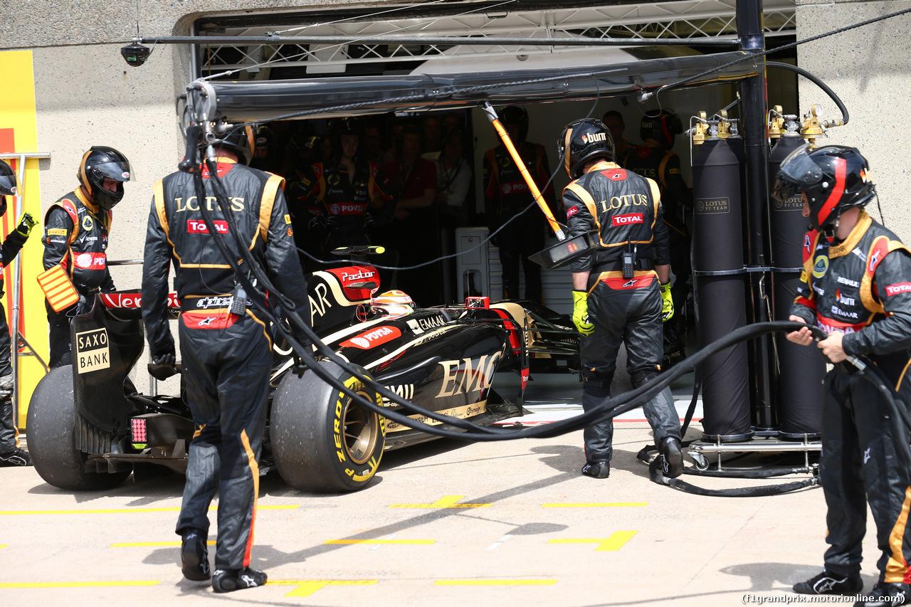 GP CANADA, 08.06.2014- Gara, Pastor Maldonado (VEN) Lotus F1 Team E22 retires from the race