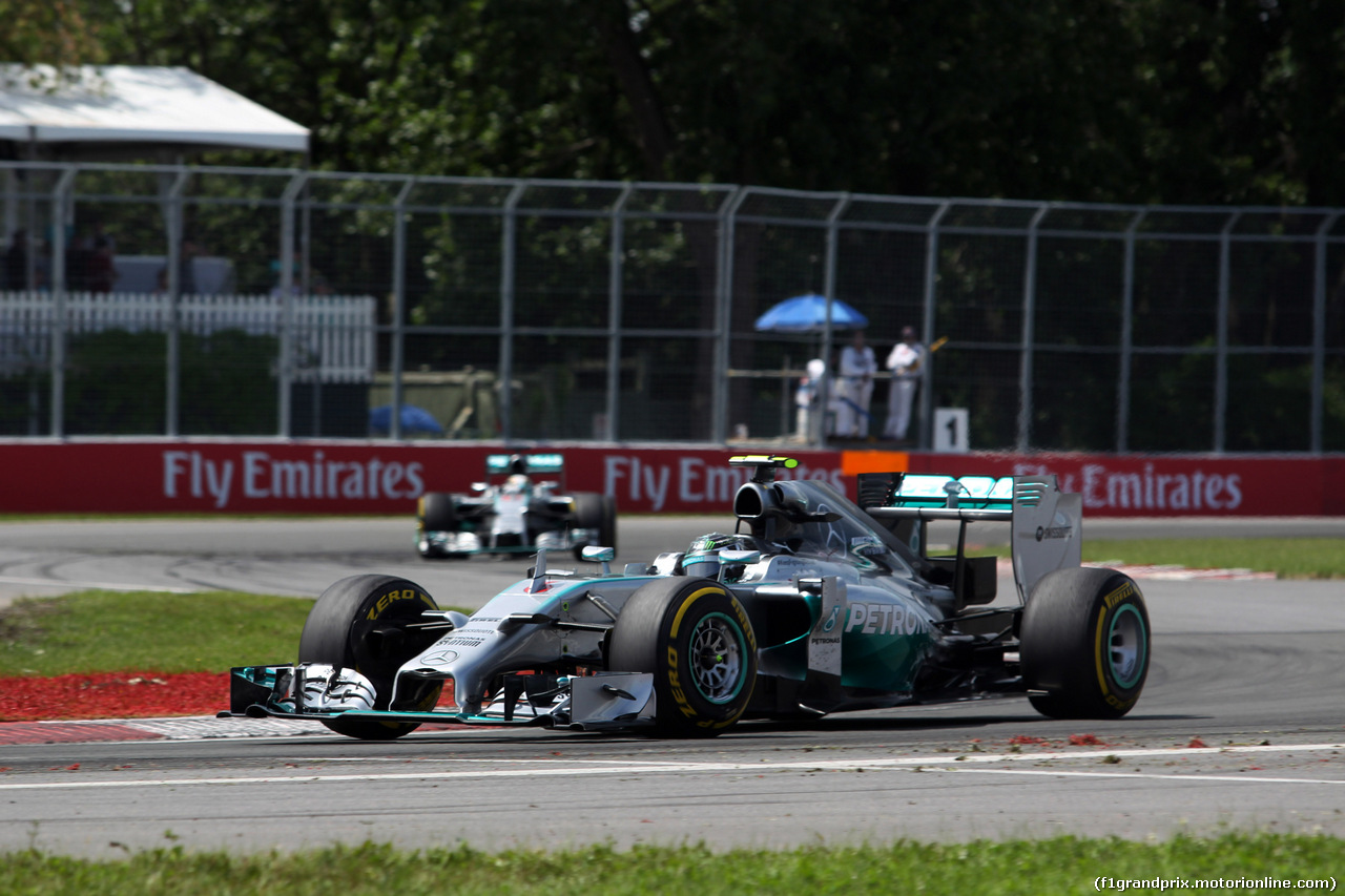 GP CANADA, 08.06.2014- Gara, Nico Rosberg (GER) Mercedes AMG F1 W05 davanti a Lewis Hamilton (GBR) Mercedes AMG F1 W05