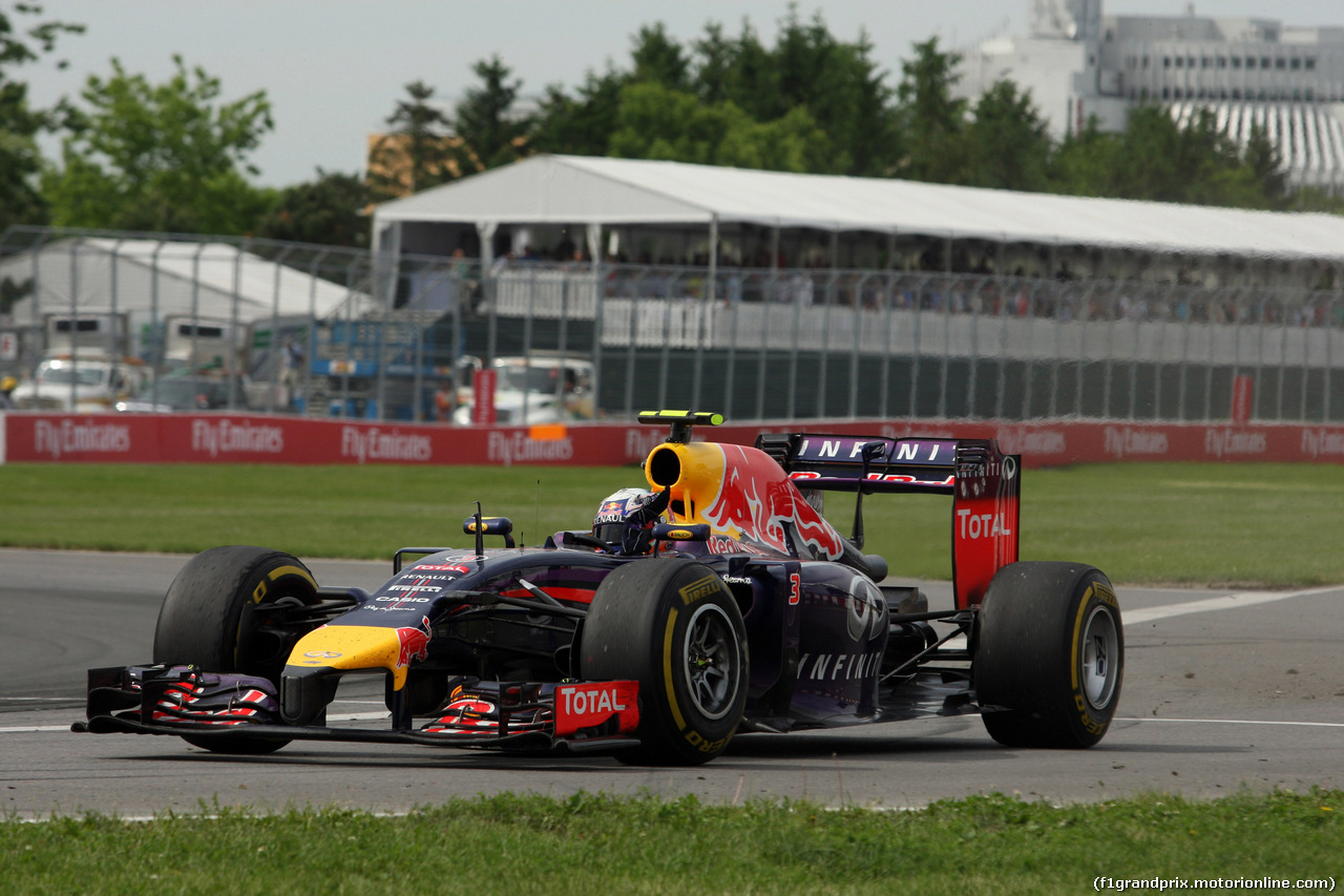 GP CANADA, 08.06.2014- Gara, Daniel Ricciardo (AUS) Red Bull Racing RB10 celebrates his victory