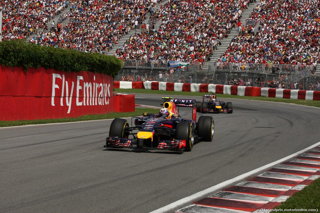 GP CANADA, 08.06.2014- Gara, Daniel Ricciardo (AUS) Red Bull Racing RB10 davanti a Sebastian Vettel (GER) Red Bull Racing RB10