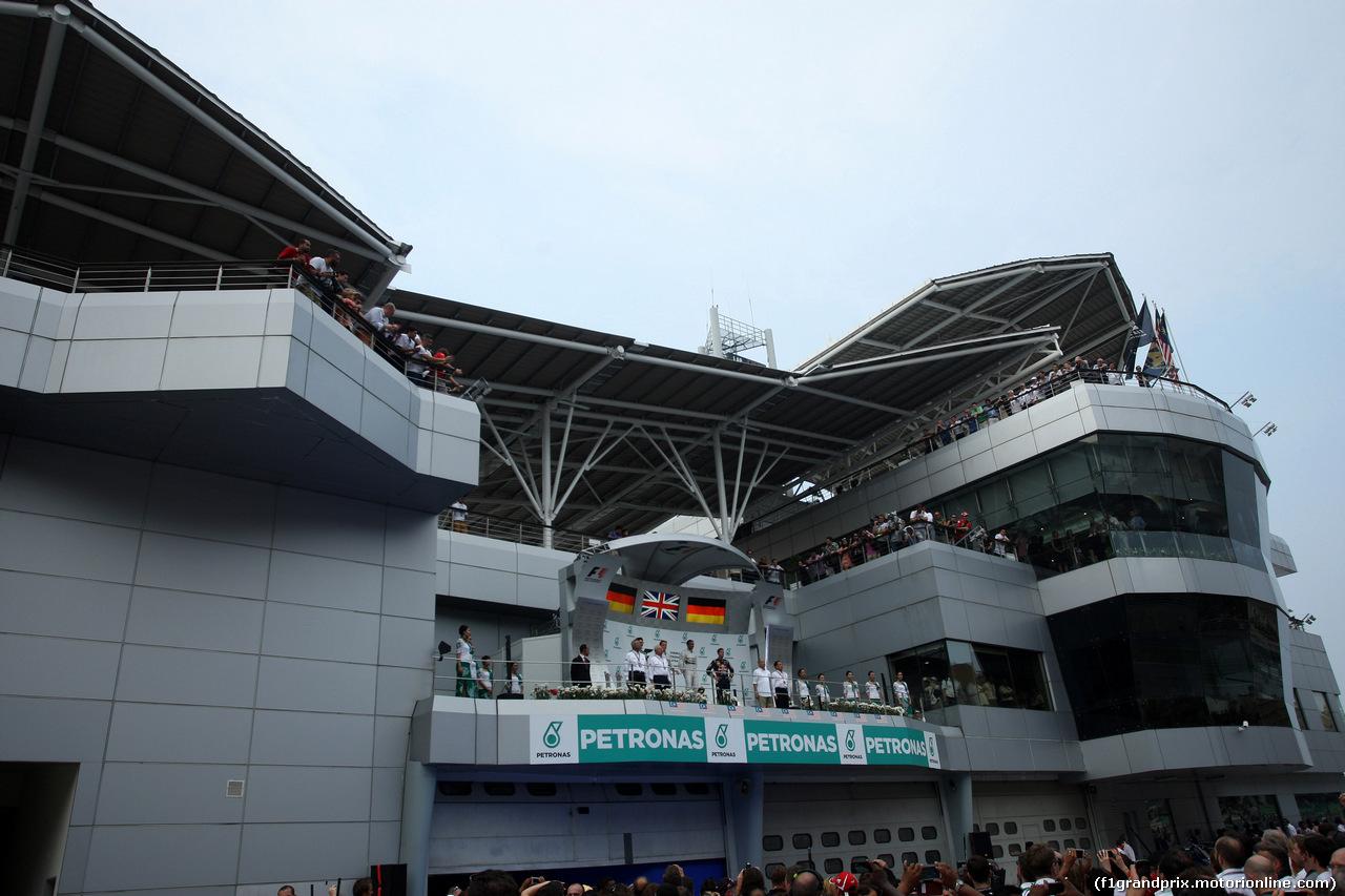 GP MALESIA, 30.03.2014 - Gara, Lewis Hamilton (GBR) Mercedes AMG F1 W05 vincitore, secondo Nico Rosberg (GER) Mercedes AMG F1 W05 e terzo Sebastian Vettel (GER) Red Bull Racing RB10