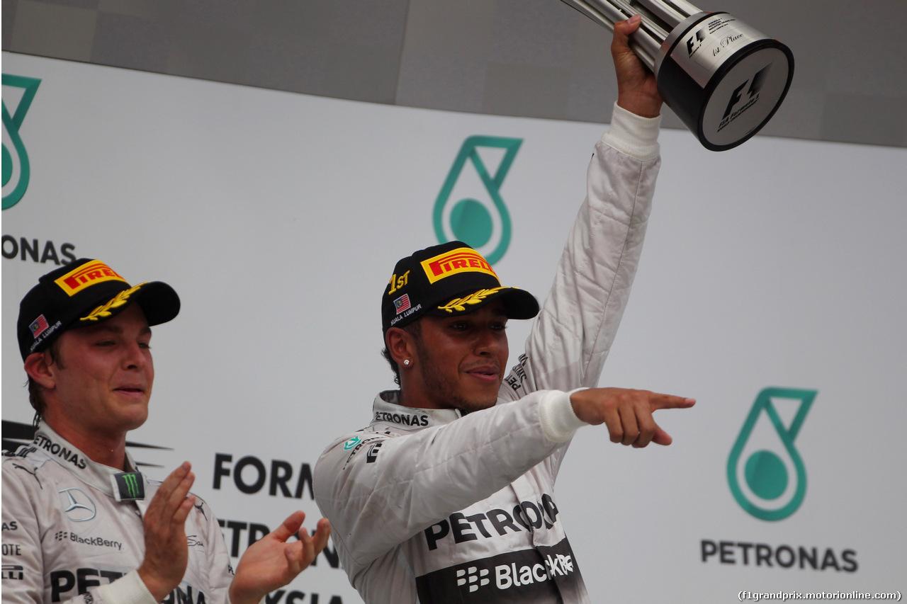 GP MALESIA, 30.03.2014 - Gara, secondoNico Rosberg (GER) Mercedes AMG F1 W05 e Lewis Hamilton (GBR) Mercedes AMG F1 W05 vincitore