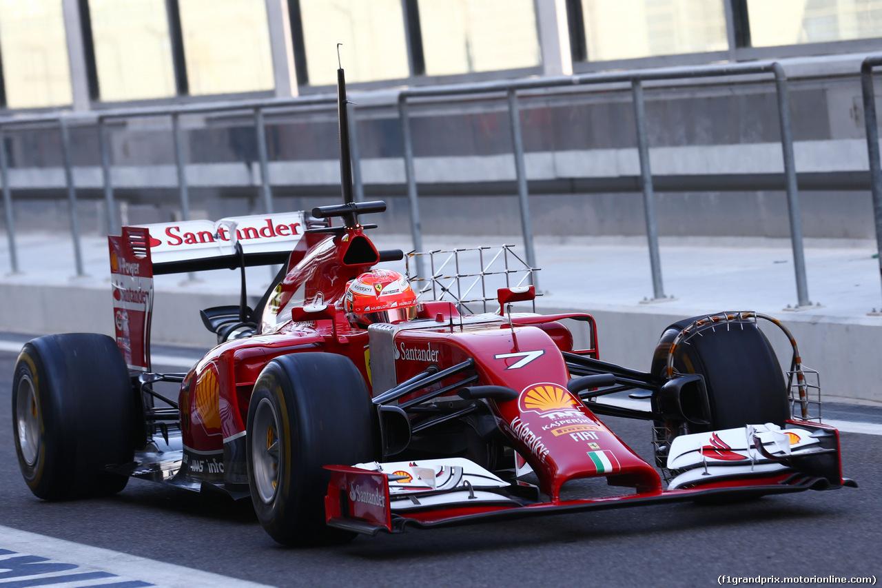 TEST F1 ABU DHABI 25 NOVEMBRE, Kimi Raikkonen (FIN) Ferrari F14-T running sensor equipment. 25.11.2014.