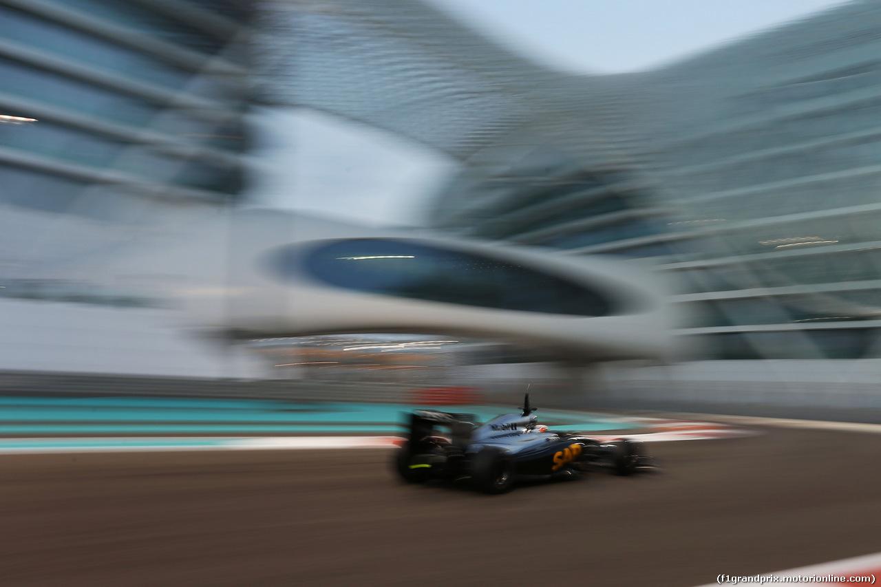 TEST F1 ABU DHABI 25 NOVEMBRE, Stoffel Vandoorne (BEL) McLaren MP4-29H Test e Reserve Driver. 25.11.2014.