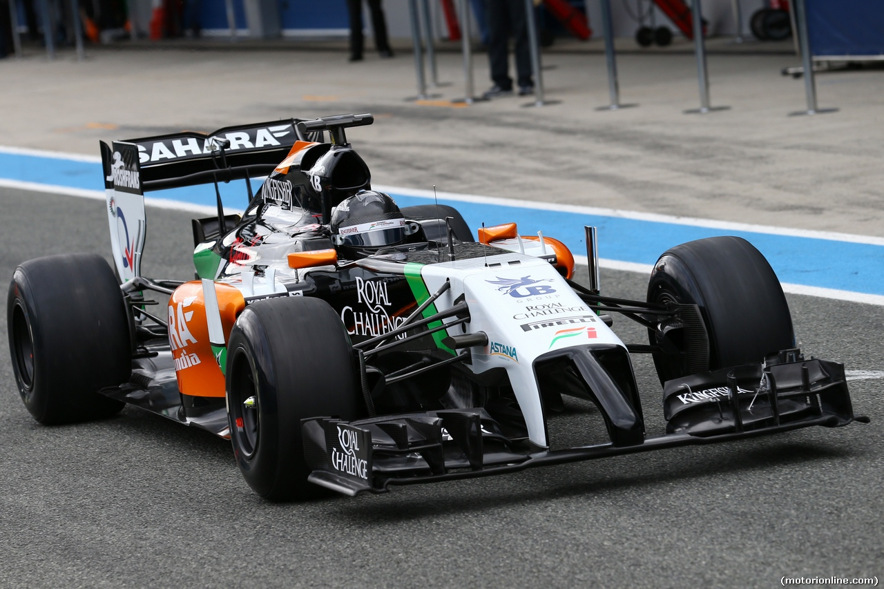 TEST F1 JEREZ 28 GENNAIO, Sergio Perez (MEX) Sahara Force India F1 VJM07. 28.01.2014. Formula One Testing, Day One, Jerez, Spain.