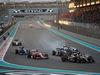 GP ABU DHABI, 29.11.2015 - Gara, Crash, Fernando Alonso (ESP) McLaren Honda MP4-30 e Pastor Maldonado (VEN) Lotus F1 Team E23