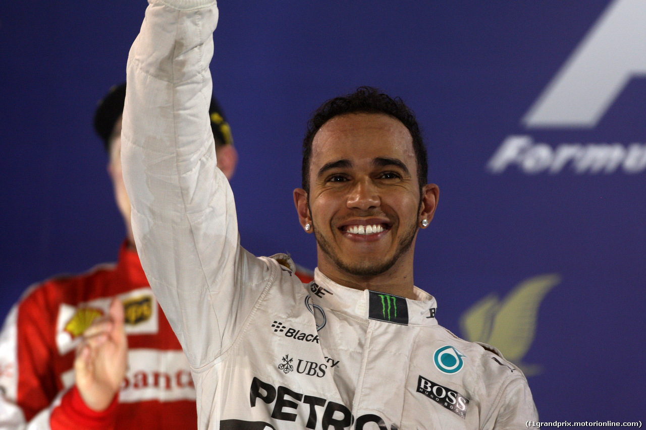 GP BAHRAIN, 19.04.2015 - Gara, Lewis Hamilton (GBR) Mercedes AMG F1 W06 vincitore