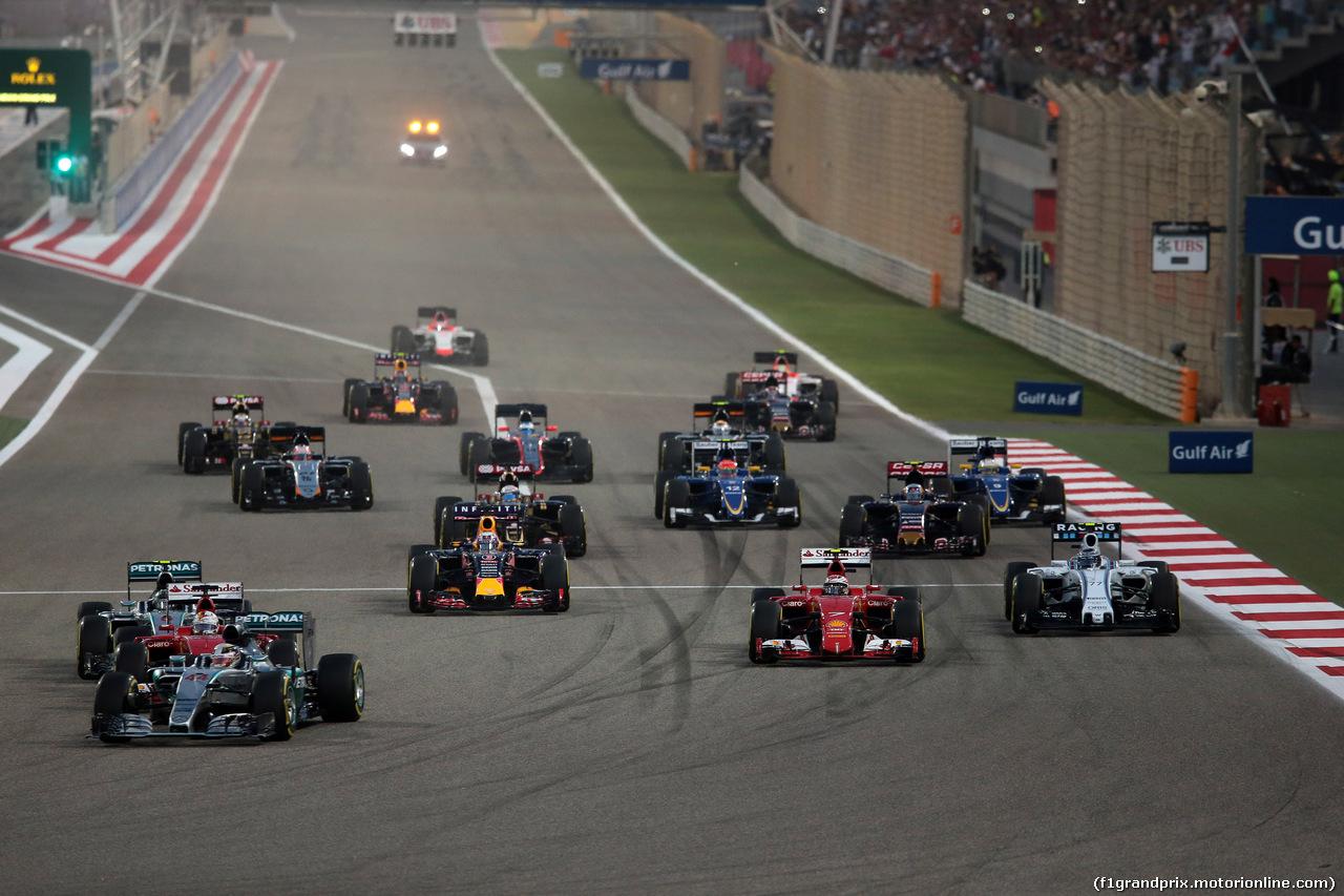GP BAHRAIN, 19.04.2015 - Gara, Start of the race