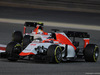GP BAHRAIN, 19.04.2015 - Gara, William Stevens (GBR) Manor Marussia F1 Team davanti a Roberto Merhi (ESP) Manor Marussia F1 Team