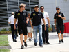 GP BAHRAIN, 18.04.2015 - Pastor Maldonado (VEN) Lotus F1 Team E23 e Sergio Perez (MEX) Sahara Force India F1 VJM08