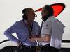 GP BAHRAIN, 18.04.2015 - Qualifiche, (L-R) Ron Dennis (GBR) McLaren Executive Chairman e Mansour Ojeh, Manseur Ojeh, McLaren shareholder
