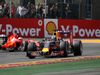 GP BELGIO, 23.08.2015 - Gara, Daniel Ricciardo (AUS) Red Bull Racing RB11 e Sebastian Vettel (GER) Ferrari SF15-T