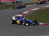 GP CINA, 12.04.2015 - Gara, Felipe Nasr (BRA) Sauber C34 davanti a Marcus Ericsson (SUE) Sauber C34
