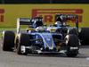 GP GIAPPONE, 27.09.2015 - Gara, Marcus Ericsson (SUE) Sauber C34 e Sergio Perez (MEX) Sahara Force India F1 VJM08