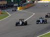 GP GIAPPONE, 27.09.2015 - Gara, Nico Hulkenberg (GER) Sahara Force India F1 VJM08 e Marcus Ericsson (SUE) Sauber C34