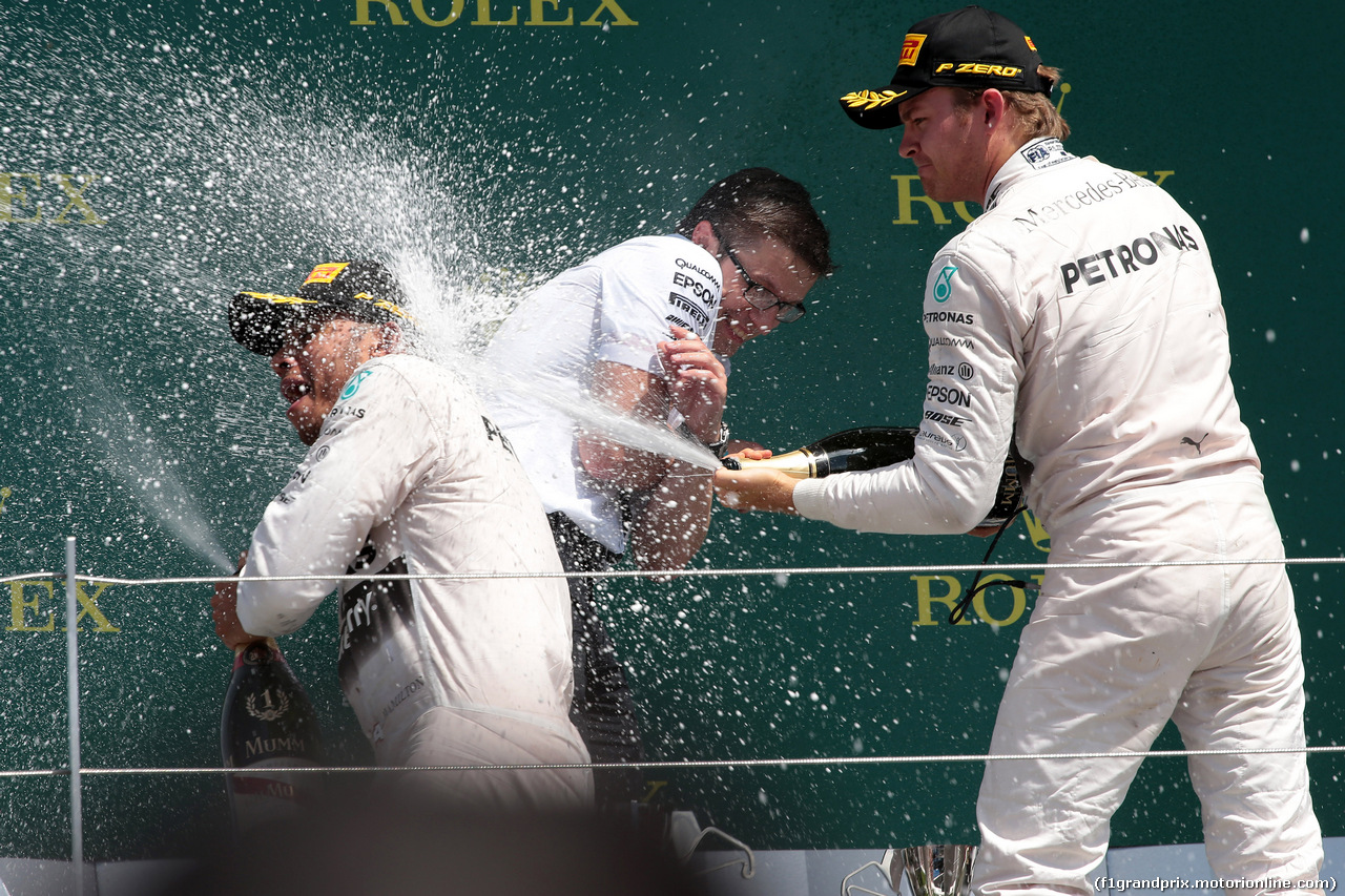 GP GRAN BRETAGNA, 05.07.2015- Gara, 1st position Lewis Hamilton (GBR) Mercedes AMG F1 W06, secondo Nico Rosberg (GER) Mercedes AMG F1 W06