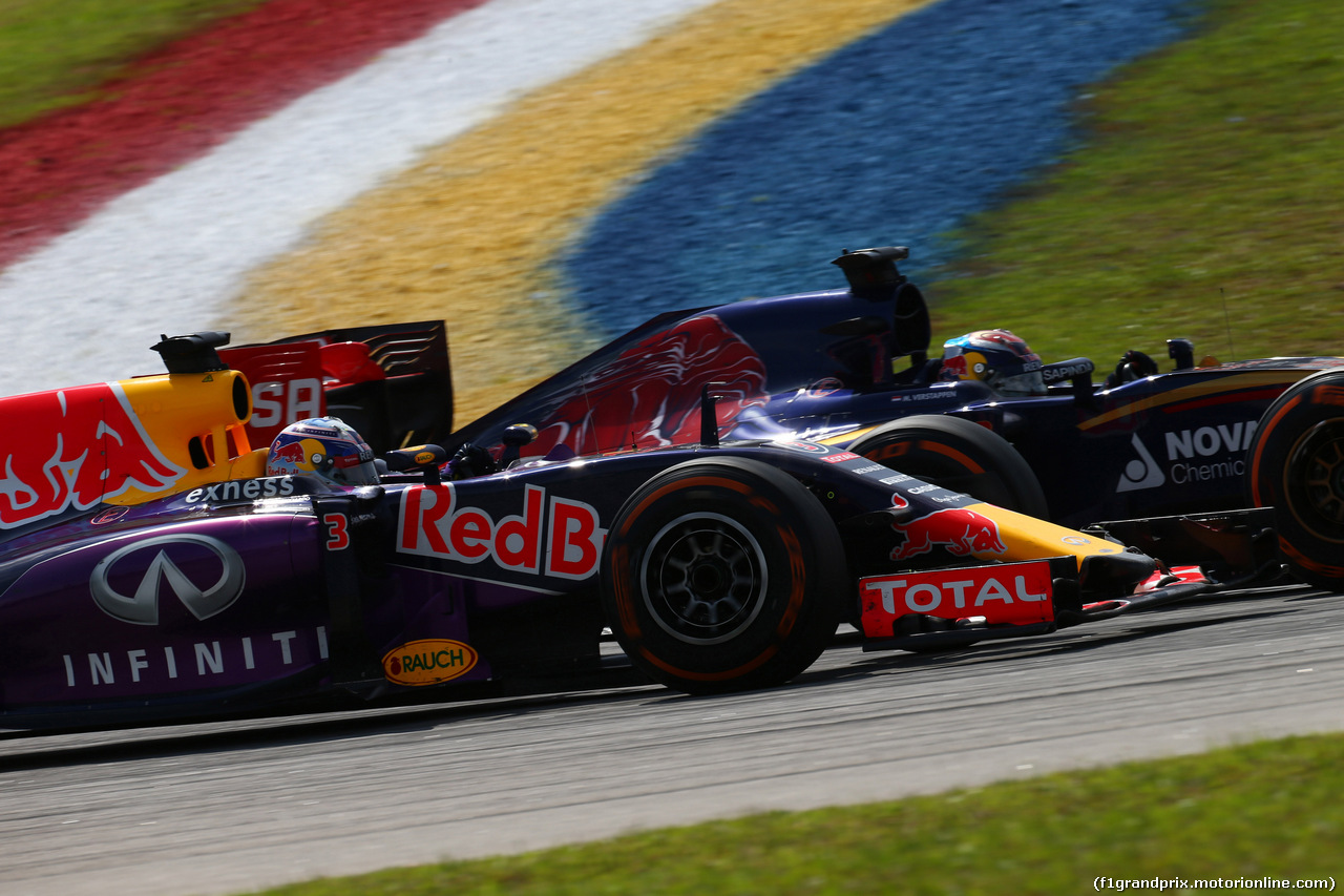 GP MALESIA, 29.03.2015- Gara, Daniel Ricciardo (AUS) Red Bull Racing RB11 e Max Verstappen (NED) Scuderia Toro Rosso STR10