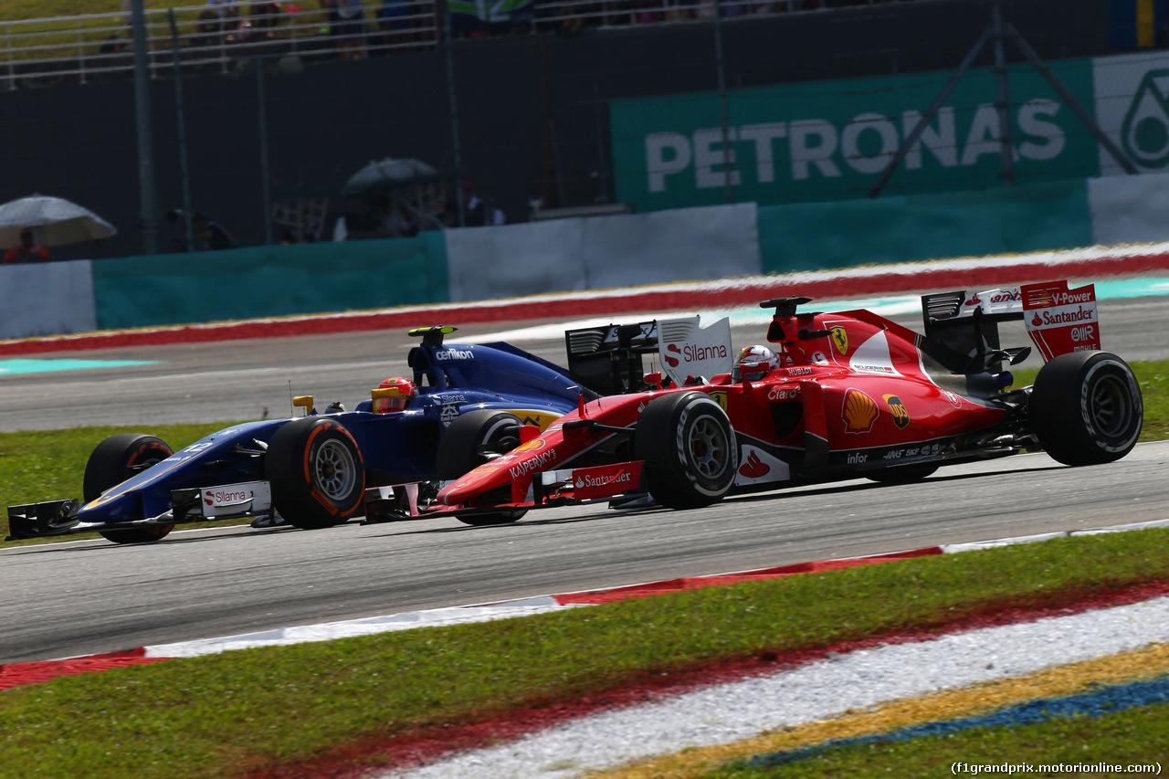GP MALESIA, 29.03.2015- Gara, Felipe Nasr (BRA) Sauber C34 e Kimi Raikkonen (FIN) Ferrari SF15-T
