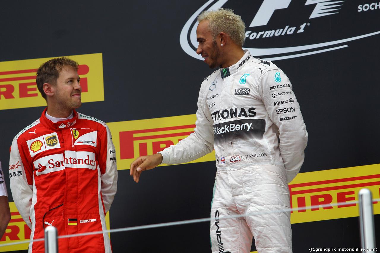 GP RUSSIA, 11.10.2015 - Gara, 1st position Lewis Hamilton (GBR) Mercedes AMG F1 W06, secondo Sebastian Vettel (GER) Ferrari SF15-T