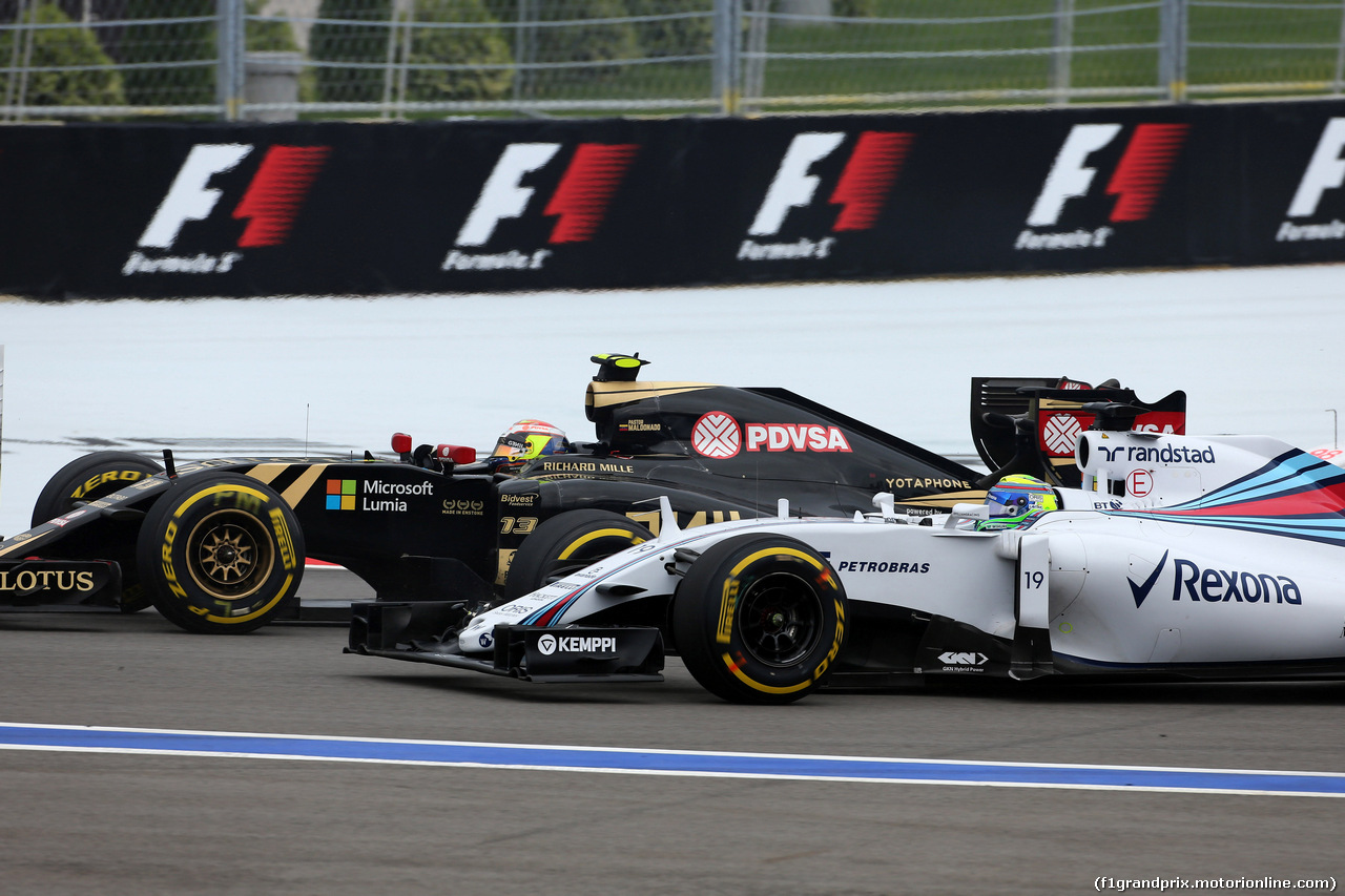 GP RUSSIA, 11.10.2015 - Gara, Felipe Massa (BRA) Williams F1 Team FW37 e Pastor Maldonado (VEN) Lotus F1 Team E23