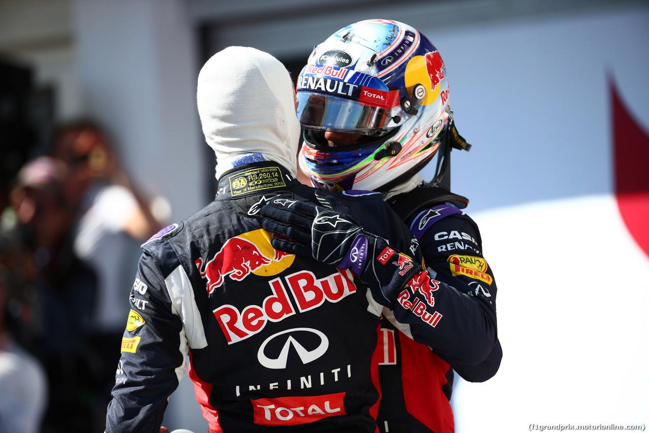GP UNGHERIA, 26.07.2015 - Gara, Daniel Ricciardo (AUS) Red Bull Racing RB11 e Daniil Kvyat (RUS) Red Bull Racing RB11