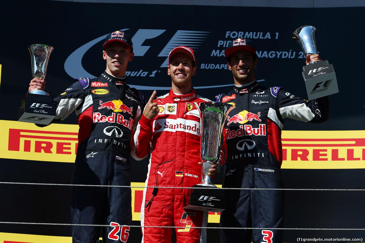 GP UNGHERIA, 26.07.2015 - Gara, Sebastian Vettel (GER) Ferrari SF15-T vincitore, secondo Daniil Kvyat (RUS) Red Bull Racing RB11 e terzo Daniel Ricciardo (AUS) Red Bull Racing RB11