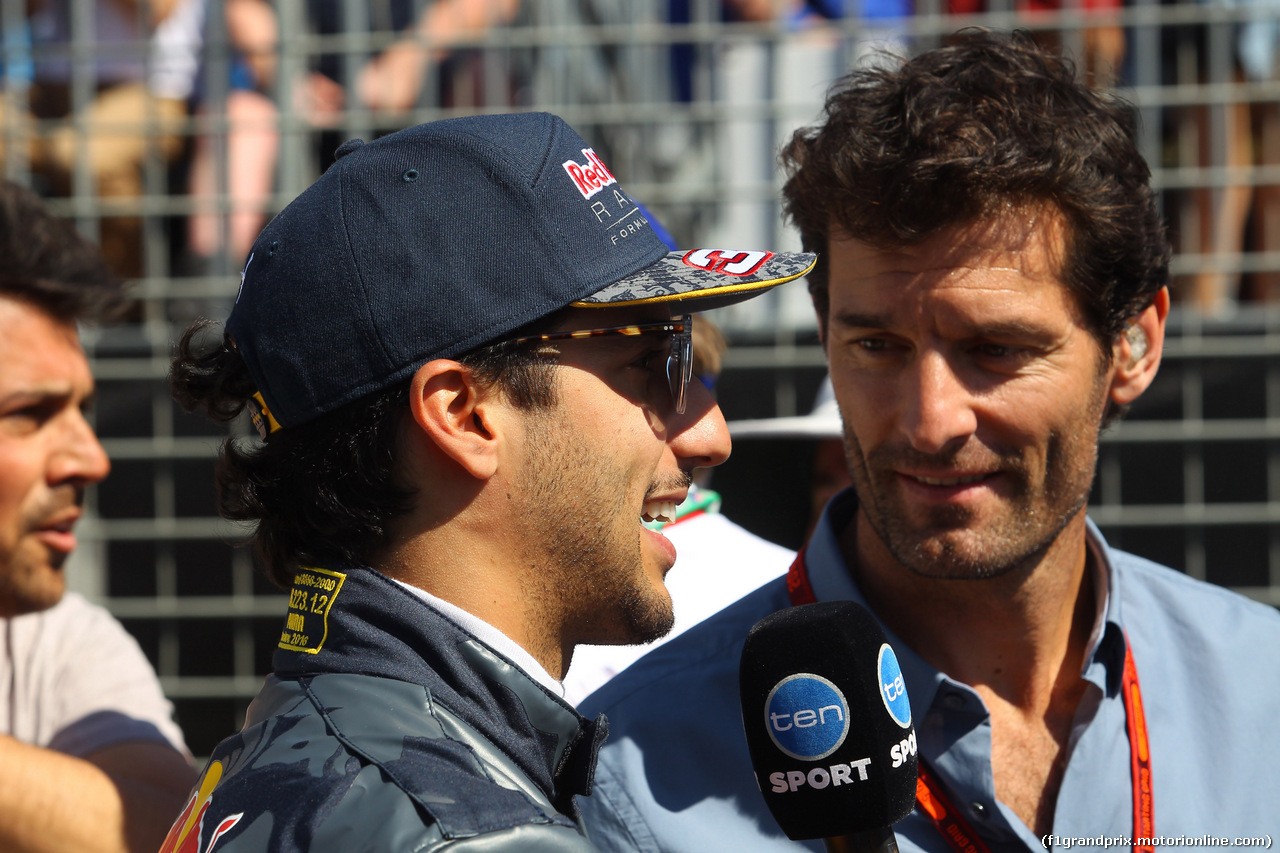 GP AUSTRALIA, 20.03.2016 - Daniel Ricciardo (AUS) Red Bull Racing RB12 e Mark Webber (AUS)