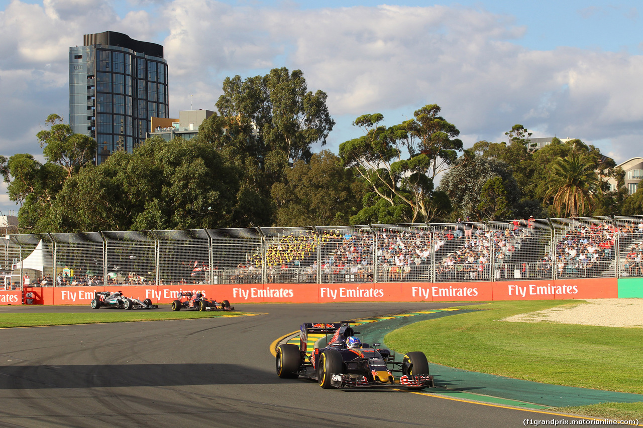 GP AUSTRALIA, 20.03.2016 - Gara, Max Verstappen (NED) Scuderia Toro Rosso STR11