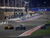 GP BAHRAIN, 03.04.2016 - Gara, Kevin Magnussen (DEN) Renault Sport F1 Team RS16 e Marcus Ericsson (SUE) Sauber C34