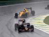 GP BRASILE, 13.11.2016 - Gara, Carlos Sainz Jr (ESP) Scuderia Toro Rosso STR11 davanti a Jolyon Palmer (GBR) Renault Sport F1 Team RS16