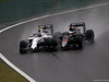 GP BRASILE, 13.11.2016 - Gara, Valtteri Bottas (FIN) Williams FW38 e Fernando Alonso (ESP) McLaren Honda MP4-31