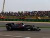 GP CINA, 17.04.2016 - Gara, Jenson Button (GBR)  McLaren Honda MP4-31 e Carlos Sainz Jr (ESP) Scuderia Toro Rosso STR11