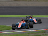 GP GIAPPONE, 09.10.2016 - Gara, Esteban Ocon (FRA) Manor Racing MRT05 davanti a Pascal Wehrlein (GER) Manor Racing MRT05