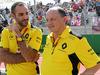 GP USA, 23.10.2016 - Gara, Cyril Abiteboul (FRA) Renault Sport F1 Managing Director e Frederic Vasseur (FRA) Renault Sport Formula One Team Racing Director