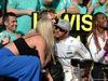 GP USA, 23.10.2016 - Gara, Festeggiamenti, Lewis Hamilton (GBR) Mercedes AMG F1 W07 Hybrid e secondo Nico Rosberg (GER) Mercedes AMG F1 W07 Hybrid, Lindsey Vonn (USA) Skier e Venus Williams (USA)