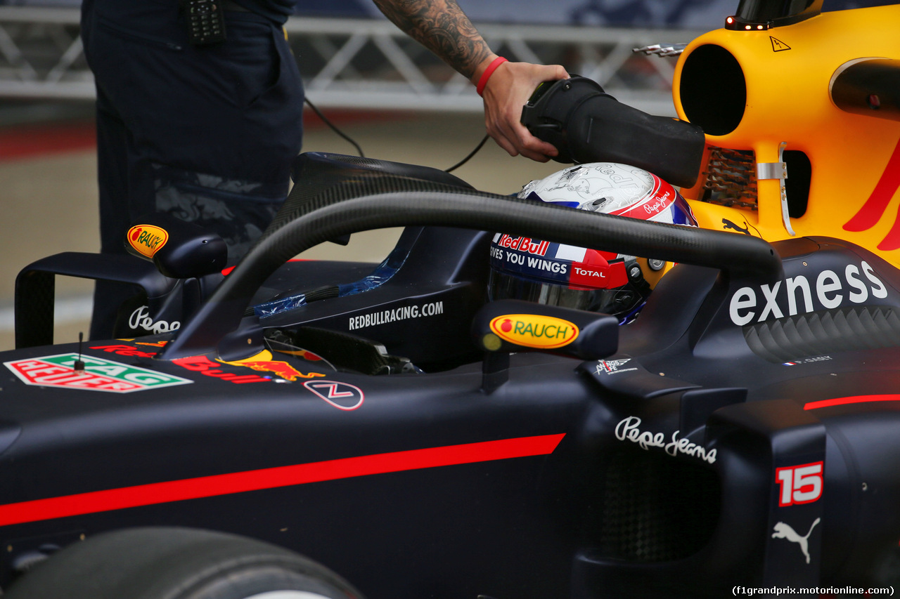 TEST F1 SILVERSTONE 12 LUGLIO, Pierre Gasly (FRA) Red Bull Racing RB12 Test Driver running the Halo cockpit cover. 12.07.2016.