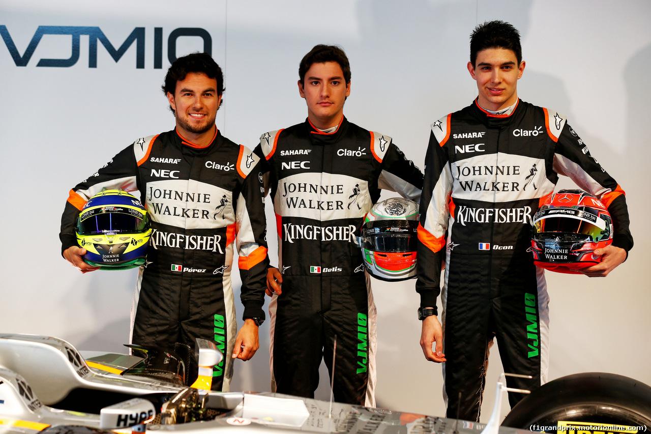 FORCE INDIA VJM10, (L to R): Sergio Perez (MEX) Sahara Force India F1 with Alfonso Celis Jr (MEX) Sahara Force India F1 Development Driver e Esteban Ocon (FRA) Sahara Force India F1 Team. 22.02.2017.