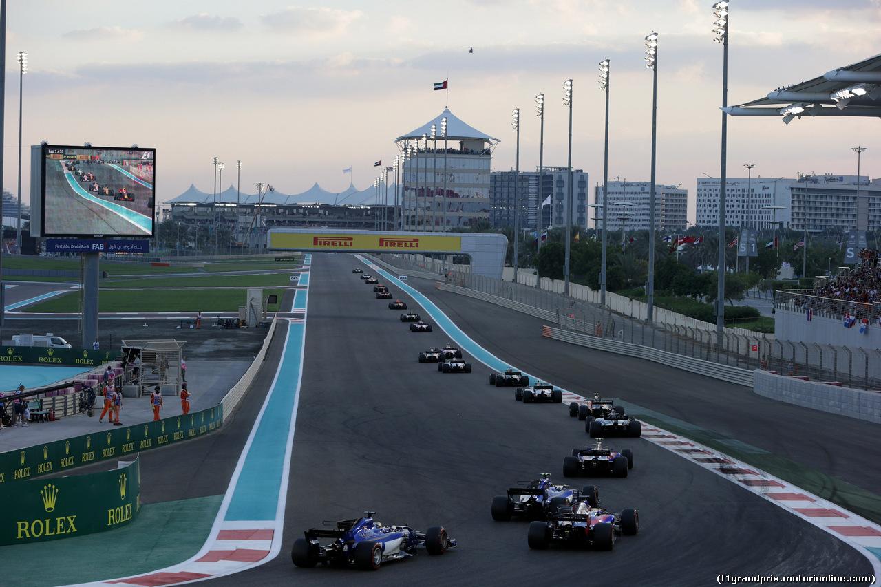 GP ABU DHABI, 26.11.2017 - Gara, Start of the race