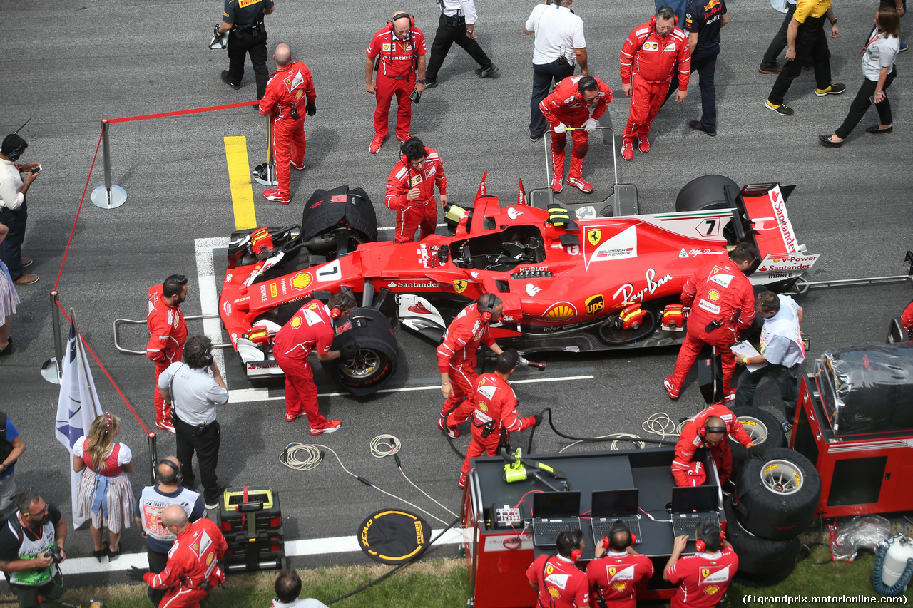 GP AUSTRIA, 09.07.2017- Kimi Raikkonen (FIN) Ferrari SF70H in the grid