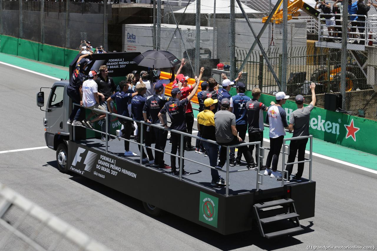 GP BRASILE, 12.11.2017 - Drivers parade