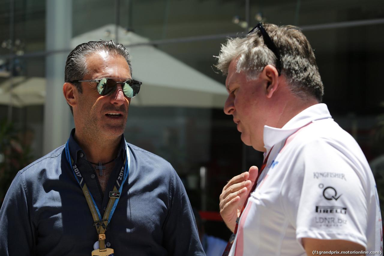 GP BRASILE, 12.11.2017 - Slim e Otmar Szafnauer (USA) Sahara Force India F1 Chief Operating Officer