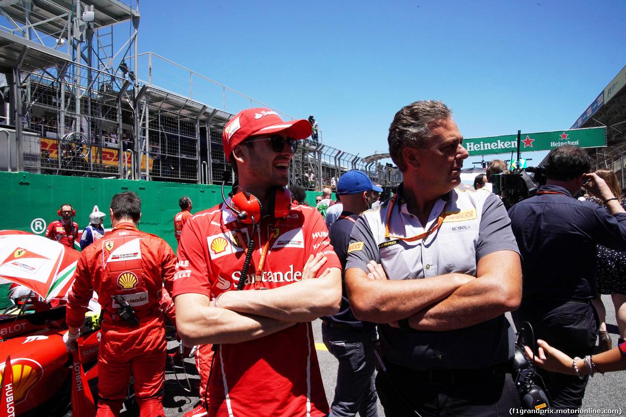 GP BRASILE, 12.11.2017 - Gara, Antonio Giovinazzi (ITA) Ferrari Test Driver e Mario Isola (ITA), Pirelli Racing Manager