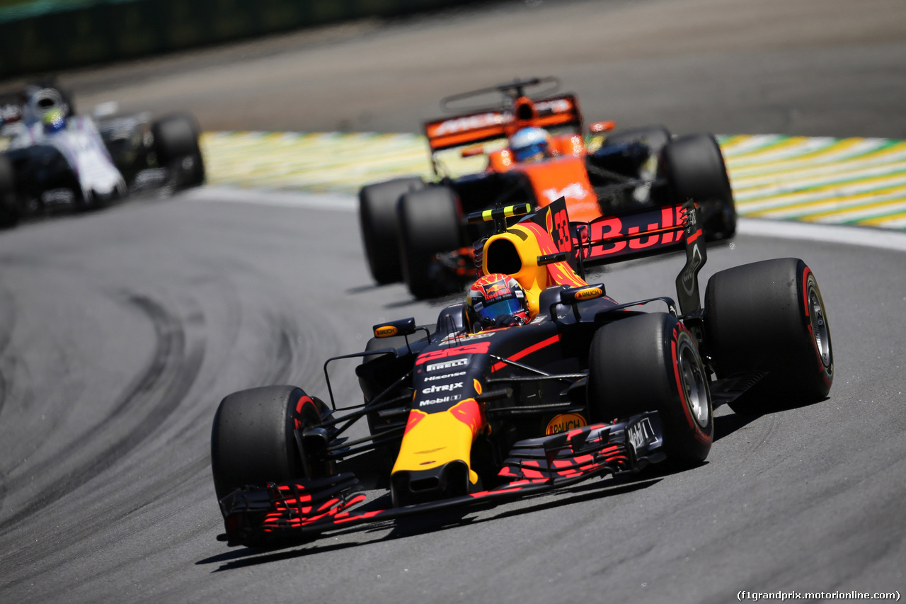 GP BRASILE, 12.11.2017 - Gara, Max Verstappen (NED) Red Bull Racing RB13