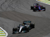 GP BRASILE, 12.11.2017 - Gara, Lewis Hamilton (GBR) Mercedes AMG F1 W08 e Pierre Gasly (FRA) Scuderia Toro Rosso STR12