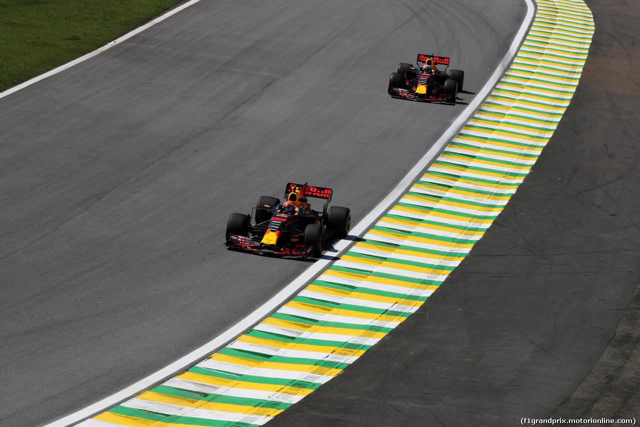 GP BRASILE, 10.11.2017 - Prove Libere 1, Max Verstappen (NED) Red Bull Racing RB13 e Daniel Ricciardo (AUS) Red Bull Racing RB13