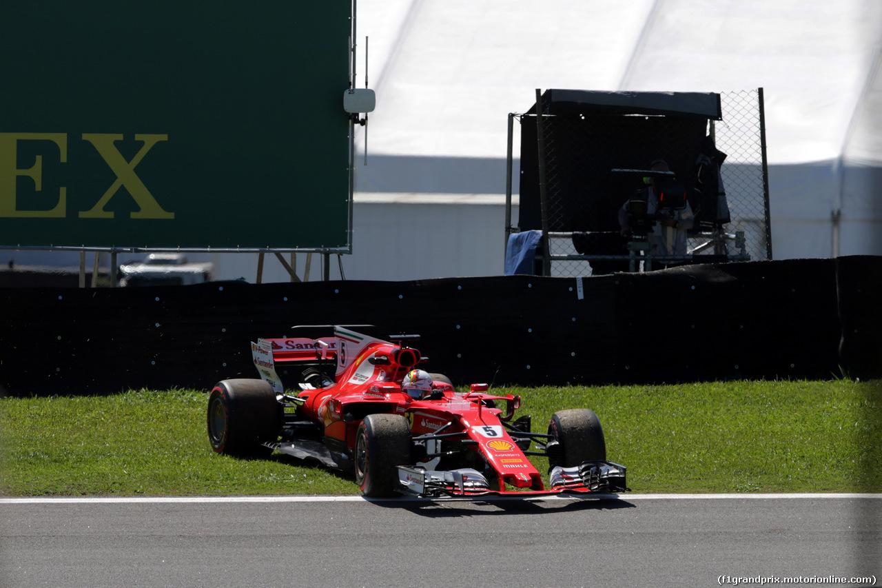 GP BRASILE, 10.11.2017 - Prove Libere 1, Sebastian Vettel (GER) Ferrari SF70H spin