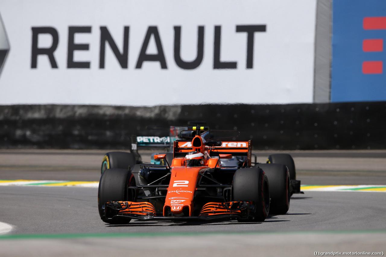 GP BRASILE, 10.11.2017 - Prove Libere 1, Stoffel Vandoorne (BEL) McLaren MCL32